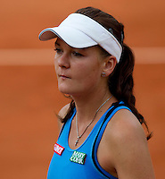 Agnieszka RADWANSKA (POL) (12) against Maria SHARAPOVA (RUS) (7) in the 4th Round of the women's singles. Maria Sharapova beat Agnieszka Radwanska 7-6 7-5. .Tennis - Grand Slam - French Open - Roland Garros - Paris - Day 9 -  Mon May 30th 2011..© AMN Images, Barry House, 20-22 Worple Road, London, SW19 4DH, UK..+44 208 947 0100.www.amnimages.photoshelter.com.www.advantagemedianetwork.com.
