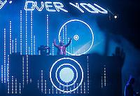 RIO DE JANEIRO, RJ, 01 DE JANEIRO 2012 - REVEILLON PRAIA DE COPACABANA - Apresentacao Dj David Gueta no show da Virada na praia de Copacabana no Rio de Janeiro. (FOTO: KAREN CANUTO - NEWS FREE).