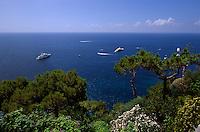 Blick von Hotel Luna bei Giardini di Augosto in Ort Capri, Capri, Italien