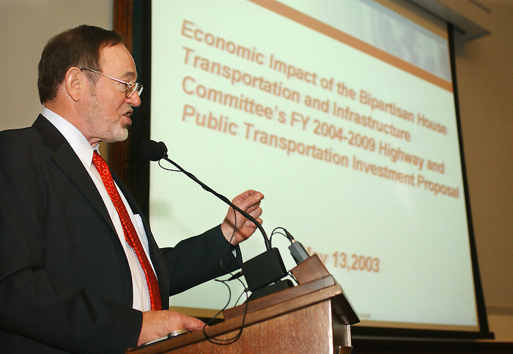 5/13/03.HIGHWAY AND TRANSIT INVESTMENT PLAN--House Transportation Chairman Don Young, R-Alaska, during a news conference on his committee's highway and transit proposal. The news conference featured a study prepared by Global Insight on the plan's impact. The study was prepared for the Transportation Construction Coalition and the American Public Transportation Association..CONGRESSIONAL QUARTERLY PHOTO BY SCOTT J. FERRELL