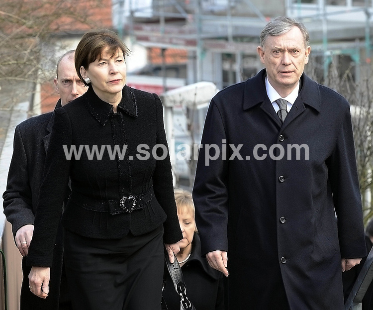 **ALL ROUND PICTURES FROM SOLARPIX.COM**.**SYNDICATION RIGHTS FOR UK AND SPAIN ONLY**.Federal President Horst Koehler and his wife Eva Luise Koehler during the funeral service in the church Saint Karl Borromaeus for the victims of the gun rampage at the secondary school Albertville in Winnenden..This pic:Federal President Horst Koehler and his wife Eva Luise Koehler..JOB REF: 8693         CPR/DFD        DATE:21.03.09.**MUST CREDIT SOLARPIX.COM OR DOUBLE FEE WILL BE CHARGED**.**ONLINE USAGE FEE GBP 50.00 PER PICTURE - NOTIFICATION OF USAGE TO PHOTO @ SOLARPIX.COM**.**CALL SOLARPIX : +34 952 811 768 or LOW RATE FROM UK 0844 617 7637**