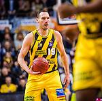 Adam WALESKOWSKI (#19 MHP Riesen Ludwigsburg) \ beim Spiel in der Basketball Bundesliga, MHP Riesen Ludwigsburg - Telekom Baskets Bonn.<br /> <br /> Foto &copy; PIX-Sportfotos *** Foto ist honorarpflichtig! *** Auf Anfrage in hoeherer Qualitaet/Aufloesung. Belegexemplar erbeten. Veroeffentlichung ausschliesslich fuer journalistisch-publizistische Zwecke. For editorial use only.