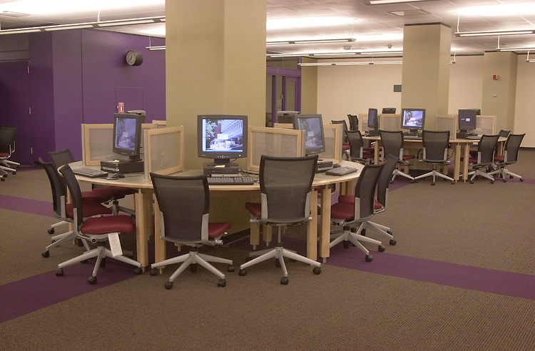 16595New learning Center at the Library