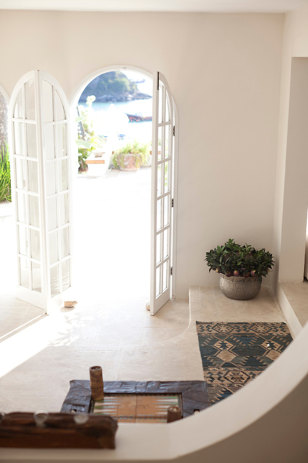 Common room to the terrace at Casa Brancas Boutique Hotel and Spa.