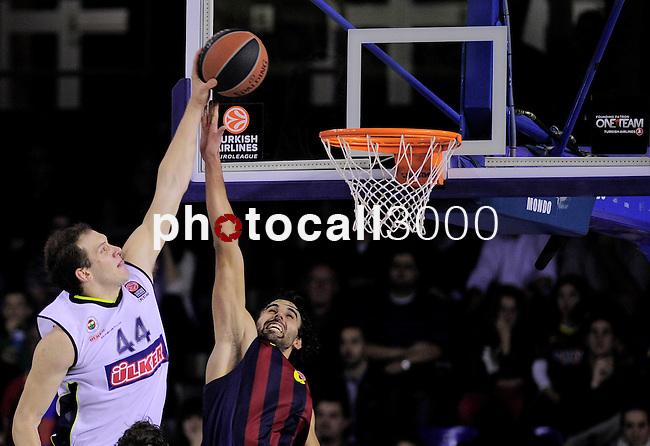 BARCELONA, SPAIN, BALONCESTO   29/11/2013<br /> Partido de Euroleague entre el Barcelona y el Fenerbahce  <br /> <br /> En imagen Bojan Bogdanovic y Victor Sada. FOTOS PEP DALMAU
