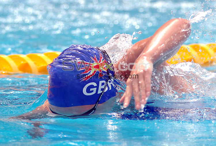 PICTURE BY VAUGHN RIDLEY/SWPIX.COM - LC Swimming - 28th LEN European Swimming Championships 2006 - Budapest, Hungary 03/08/06...Copyright - Simon Wilkinson - 07811 267706...Great Britain's Francesca Halsall swims the anchor leg in the Women's 4x200m Freestyle Semi-Finals.