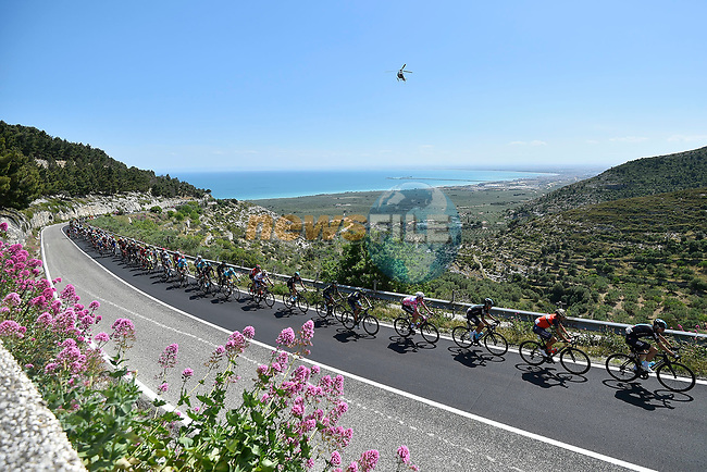The peloton in action during Stage 8 of the 100th edition of the Giro d'Italia 2017, running 189km from Molfetta to Peschici, Italy. 1th May 2017.<br /> Picture: LaPresse/Fabio Ferrari | Cyclefile<br /> <br /> <br /> All photos usage must carry mandatory copyright credit (&copy; Cyclefile | LaPresse/Fabio Ferrari)