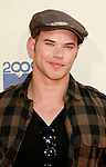 UNIVERSAL CITY, CA. - May 31: Actor Kellan Lutz arrives at the 2009 MTV Movie Awards held at the Gibson Amphitheatre on May 31, 2009 in Universal City, California.
