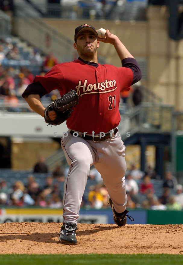 Andy Pettitte in action during the Huston Astros v. Pittsburgh Pirates game on April 27, 2005.....Astros lost 0-2. ....David Durochik / SportPics..