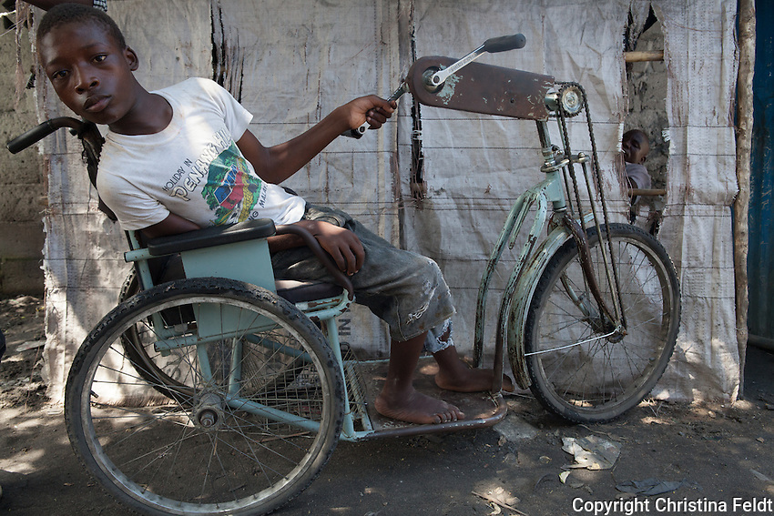 David has been disabled since birth and is 16 years old. He lives in Beira city, Mozambique, together with his older brother Jorge, 22 years old. David loves going to school and his favourite class is Portuguese. Jorge takes care of him in a loving and caring way.