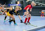 ROTTERDAM  - NK Zaalhockey,   halve finale dames Laren-Den Bosch. Laren wint. Elin van Erk (Lar)  met Danique vd Veerdonk (den Bosch)     COPYRIGHT KOEN SUYK