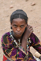 ETHIOPIA Lalibela, young woman with cross necklace / AETHIOPIEN Lalibela, junge Frau mit Kreuz Halskette