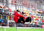 nph00351: Fussball, 1. Bundesliga, Saison 19/20, 26. Spieltag, Fortuna Düsseldorf - FC Paderborn 07, 16.05.2020:<br /> Kaan Ayhan (F95), Alfredo Morales (F95) vorm Spiel mit Mundschutz<br />  <br /> <br /> Nur für journalistische Zwecke! Only for editorial use!<br /> <br /> Gemäß den Vorgaben der DFL Deutsche Fußball Liga ist es untersagt, in dem Stadion und/oder vom Spiel angefertigte Fotoaufnahmen in Form von Sequenzbildern und/oder videoähnlichen Fotostrecken zu verwerten bzw. verwerten zu lassen. DFL regulations prohibit any use of photographs as image sequences and/or quasi-video. <br /> <br /> Foto: Moritz Müller/Pool / via Meuter/nordphoto