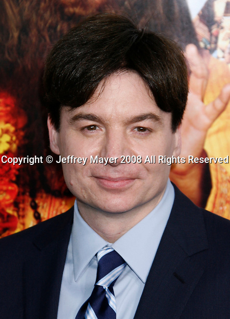 """Actor Mike Myers arrives at the Los Angeles Premiere of """"The Love Guru"""" on June 11, 2008 at Grauman's Chinese Theatre in Hollywood, California."""