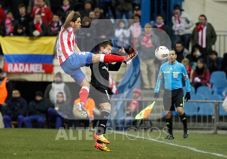 Madrid (05/02/2012) LIGA BBVA.Atletico de Madrid- Valencia C.F...DIEGO, JORDI ALBA.....
