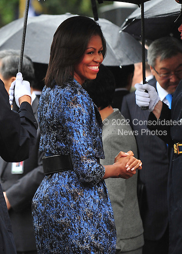 United States First Lady Michelle Obama attends an arrival ceremony for President Lee Myung-bak of South Korea on the South Lawn at the White House in Washington, D.C. on Thursday, October 13, 2011.  .Credit: Kevin Dietsch / Pool via CNP
