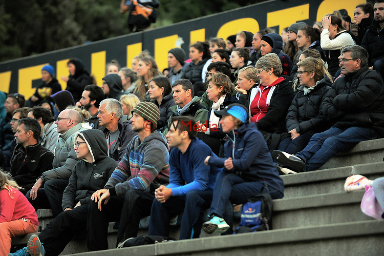 Fans watch the international men's hockey match between the NZ Black Sticks and Pakistan at National Hockey Stadium in Wellington, New Zealand on Monday, 20 March 2017. Photo: Dave Lintott / lintottphoto.co.nz
