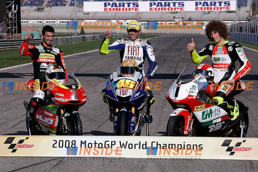 &copy; Simone Rosa/Semedia<br /> 26-10-2008 Valencia (Esp)<br /> Motogp - moto<br /> nella foto: Mike Di Meglio, Valentino Rossi, Marco Simoncelli