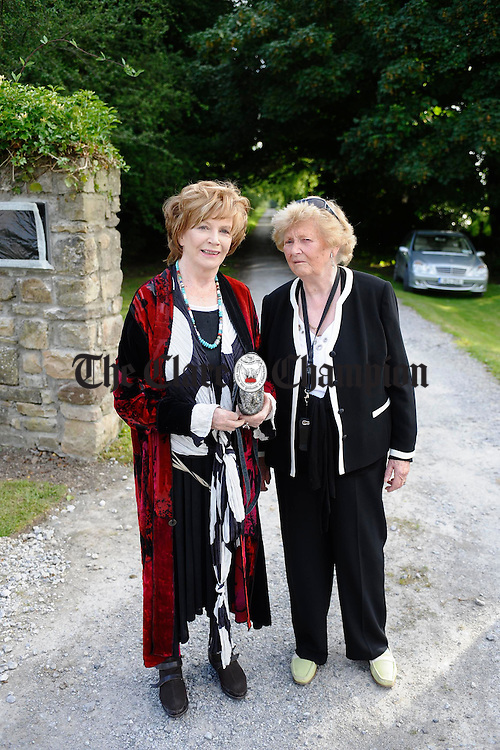 Edna O Brien meets her sister Eileen Blake at the unveiling of a commemorative wall plaque by the local DEvelopment Association marking her birthplace at the entrance to Drewsboro House in Tuamgraney. Photograph by John Kelly.