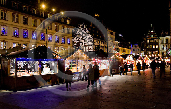 STRASBOURG - FRANCE - 16 DECEMBER 2009 -- Strasbourg Christmas market and city photos. -- PHOTO: Juha ROININEN / EUP-IMAGES