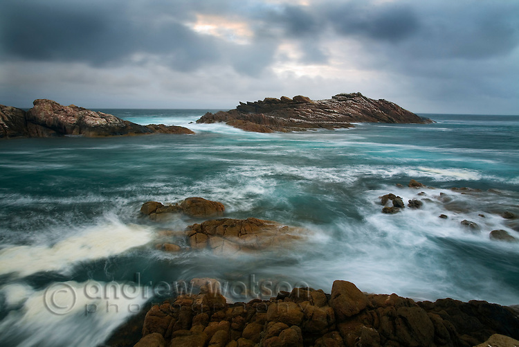 Rugged coastline at Canal Rocks in the Leeuwin-Naturaliste National Park, Western Australia, AUSTRALIA.