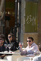 restaurant terrace bar people drinking wine civb le bar a vin allees tourny bordeaux france