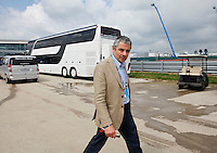 SILVERSTONE, INGLATERRA, 08 JULHO 2012 - FORMULA 1 - GP DE SILVERSTONE -  O ator ingles Rowan Atkinson, mundialmente conhecido pelo personagem Mr. Bean no Grande Premio de Silverstone na Inglaterra neste domingo, 08. (FOTO: PIXATHLON / BRAZIL PHOTO PRESS).