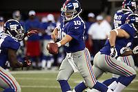 QB Eli Manning (Giants) gibt den Ball an RB David Wilson (Giants)