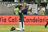 PALMIRA - COLOMBIA, 20-11-2019: Darwin Andrade del Cali celebra después del partido entre Deportivo Cali y América de Cali por la fecha 4, cuadrangulares semifinales, de la Liga Águila II 2019 jugado en el estadio Deportivo Cali de la ciudad de Palmira. / Darwin Andrade of Cali celebrates after match for the date 4, quadrangulars semifinals, as part Aguila League II 2019 between Deportivo Cali and America de Cali played at Deportivo Cali stadium in Palmira city. Photo: VizzorImage / Gabriel Aponte / Staff