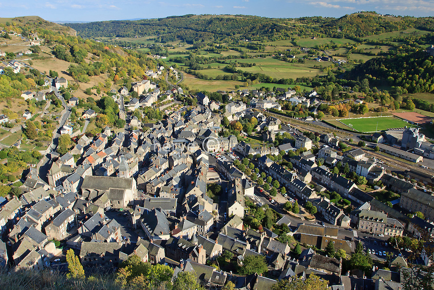 France, Cantal (15), Murat, la ville vue depuis la butte de Bonnevie // France, Cantal, Murat, view on the little city from the hill Bonnevie