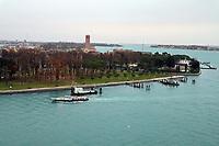 Einfahrt in den großen Kanal von Venedig - 26.11.2017: Hafeneinfahrt Venedig mit der Costa Deliziosa