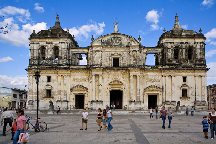 La Catedral de Leon, the largest cathedral in Central America, in parque central, Leon, Nicaragua