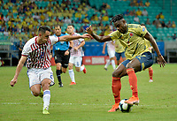SALVADOR – BRASIL, 23-06-2019:Duvan Zapata de Colombia disputa el balón con Ivan Piris de Paraguay durante partido de la Copa América Brasil 2019, grupo B, entre Colombia y Paraguay jugado en el Arena Fonte Nova de Salvador, Brasil. /Duvan Zapata of Colombia vies for the ball with Ivan Piris of Paraguay during the Copa America Brazil 2019 group B match between Colombia and Paraguay played at Fonte Nova Arena in Salvador, Brazil. Photos: VizzorImage / Julian Medina / Cont /