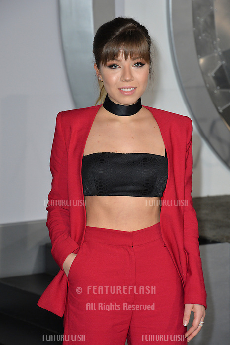 Actress Jennette McCurdy at the world premiere of &quot;Passengers&quot; at the Regency Village Theatre, Westwood. <br /> December 14, 2016<br /> Picture: Paul Smith/Featureflash/SilverHub 0208 004 5359/ 07711 972644 Editors@silverhubmedia.com