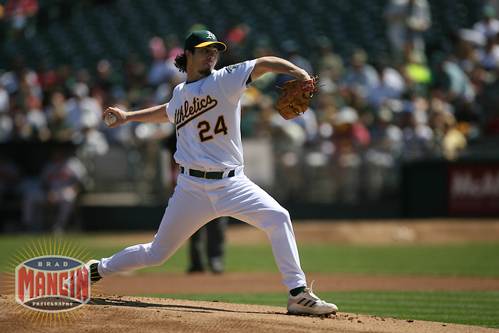 Dan Haren. Baseball: Baltimore Orioles vs Oakland Athletics at McAfee Coliseum in Oakland, CA on September 2, 2006. Photo by Brad Mangin