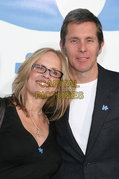"GARY COLE &WIFE TEDDI.Jerry Seinfeld and Paul Simon Perform ""One Night Only: A Concert for Autism Speaks"" at the Kodak Theatre. .24th September 2005.Ref:ADM/ZL/CAP.half length wife husband couple together.www.capitalpictures.com.sales@capitalpictures.com.© Capital Pictures."