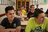 Schüler an der katholischen Privatschule Saint Joseph in Sarajevo, Bosnien und Herzegovina. / Students at Catholic School Center Saint Joseph in Sarajevo, Bosnia and Herzegovina. // Die Schülerinnen und Schüler in Bosnien und Herzegowina werden getrennt nach Nationalität und Glaubensrichtung unterrichtet. In der Kleinstadt Jajce haben sich Jugendliche dagegen gewehrt.