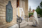 August 6, 2017; Notre Dame President Rev. John I. Jenkins, C.S.C. enters the Basilica for a Memorial Mass for former football coach Ara Parseghian. (Photo by Matt Cashore/University of Notre Dame)