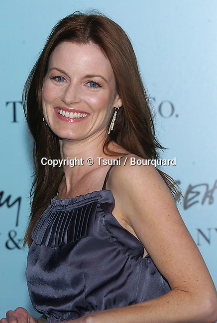 Laura Leighton arriving at Launch of Frank Gehry's Premier Collection on Rodeo Drive at the Tiffany & Co. Store in Los Angeles, March 27, 2006.