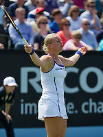 16-06-13, Netherlands, Rosmalen,  Autotron, Tennis, Topshelf Open 2013, First round,  Kiki Bertens in frustration<br />