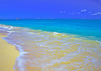 White sands and blue water at Waimanalo beach, Oahu