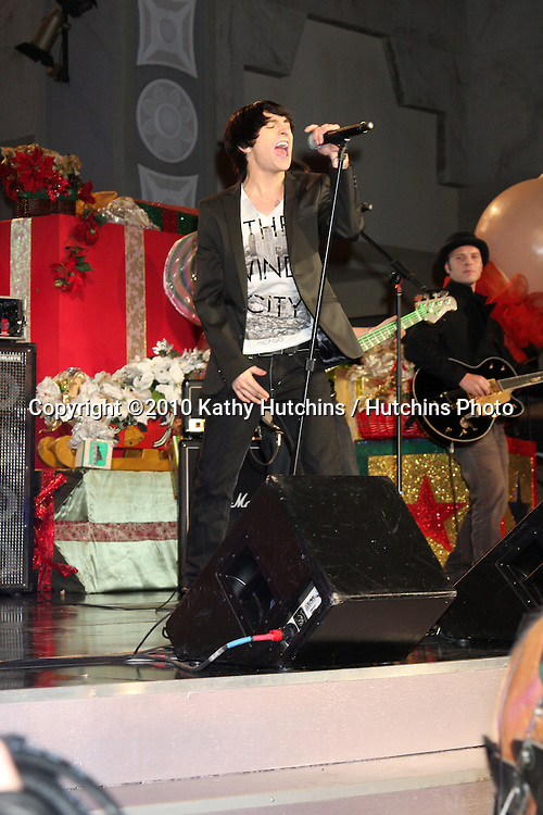 LOS ANGELES - NOV 20:  Mitchel Musso at the Hollywood & Highland Tree Lighting Concert 2010  at Hollywood & Highland Center Cour on November 20, 2010 in Los Angeles, CA