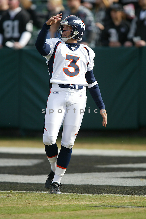 PAUL ERNSTER, of the Denver BroncosOakland Raiders in action against the Oakland Raiders  on November 12, 2006, in Oakland, CA ..Broncos win 17-13..Rob Holt / SportPics