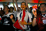 'ENGLAND'S WORLD CUP 1998', EXCITED FANS WATCH ENGLAND PLAY COLUMBIA AND WIN 2-0. SPORTS CAFE IN LONDON. 26-6-98, 1998