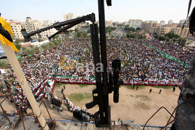 Palestinians attend a rally marking the 29th anniversary of the foundation of the Islamic Jihad movement in Gaza City October 21, 2016. Photo by Ashraf Amra