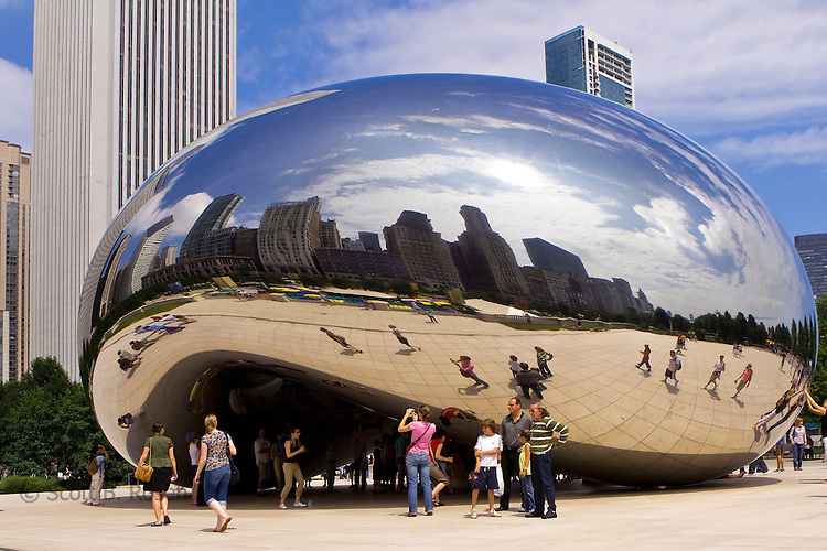 The 110-ton elliptical sculpture designed by Anish Kapoor in At&t Plaza, Millenium Park, Chicago, Illinois