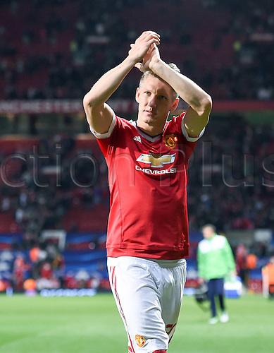 30.09.2015. Manchester, England. UEFA Champions League Group B first leg soccer match between Manchester United and VfL Wolfsburg at the Old Trafford in Manchester.  Bastian Schweinsteiger (Manchester United FC) applauds the crowd at full time