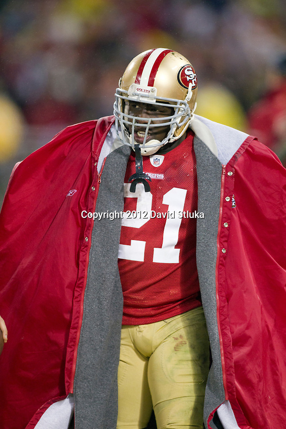 San Francisco 49ers running back Frank Gore (21) paces the sideline during an NFC Championship NFL football game against the New York Giants on January 22, 2012 in San Francisco, California. The Giants won 20-17 in overtime. (AP Photo/David Stluka)