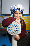 Welsh Water Shorter Shower Campaign at Mount Pleasant Primary School..Ella Jeffrey.01.12.11.©Steve Pope