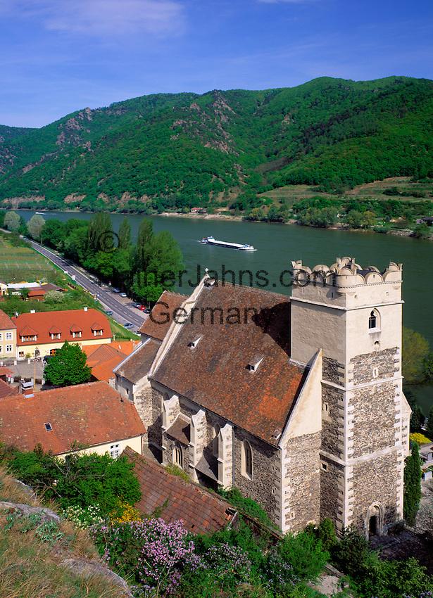 Austria, Lower Austria, Wachau, St. Michael: curch and wine village near Weissenkirchen (Danube)